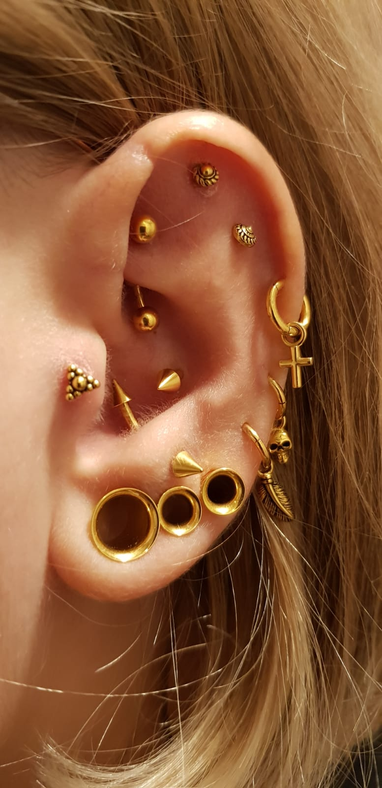 Earparty - Triangle Dots Clusters