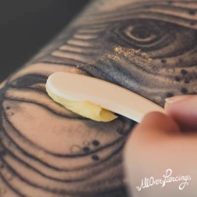 Alles Over De Verzorging Van Je Tattoo All Over Piercings