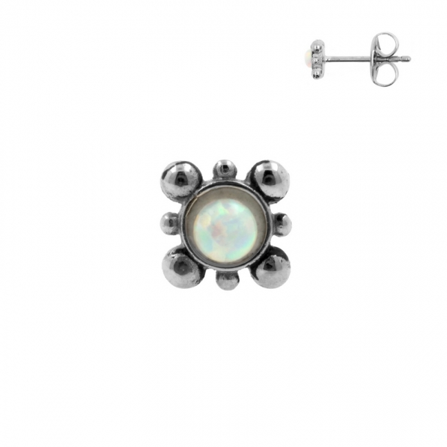 Earstuds with Cabochon Opal